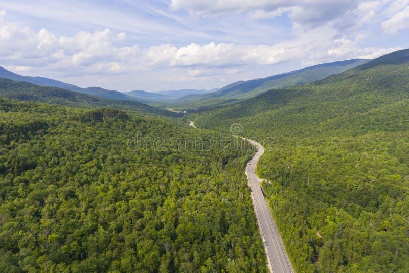 Зазубрина Pinkham и белая гора Rd, NH, США стоковые фотографии rf