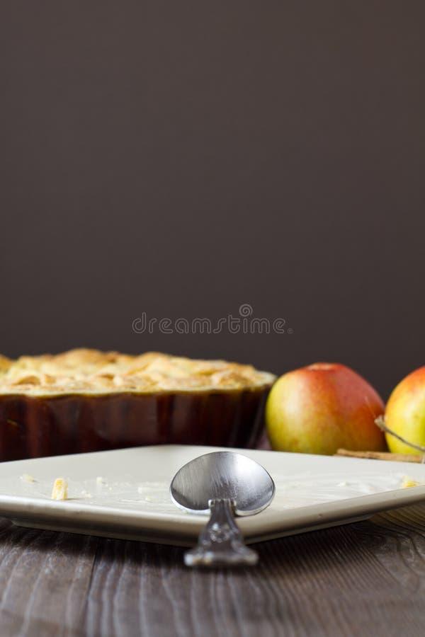 Законченная плита яблочного пирога режим Ла стоковое изображение