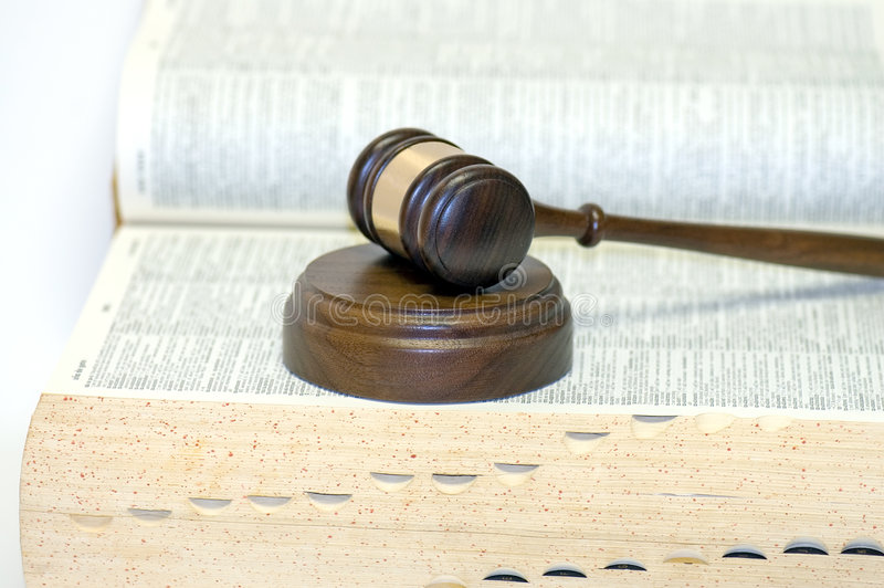 закон gavel книги открытый стоковые изображения rf