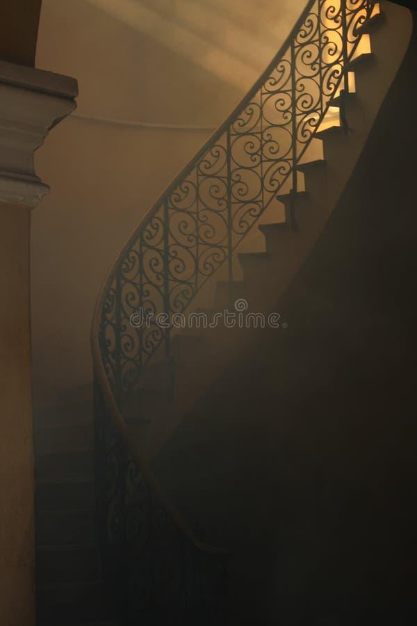 закоптелая лестница стоковая фотография