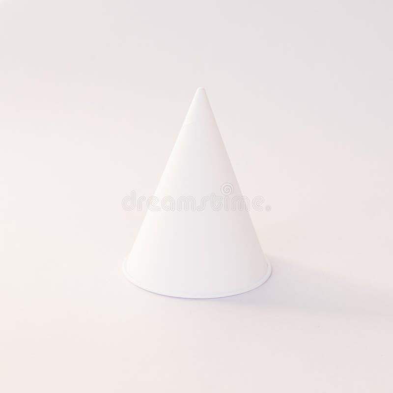 Закройте вверх бумажной чашки конуса стоковая фотография rf