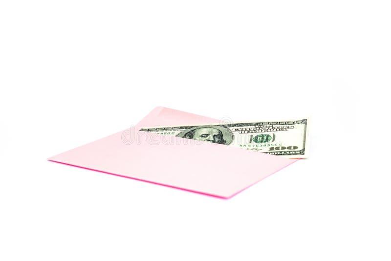 Закройте вверх денег в розовом конверте лежите на белой предпосылке Клеймя насмешка вверх; вид спереди стоковое фото rf
