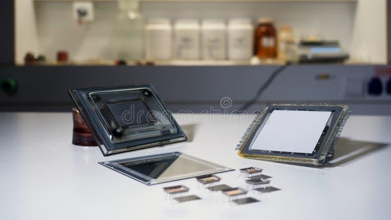 Закройте вверх для equpment на лаборатории, концепции sciene r Части механизма на химической лаборатории стоковое фото