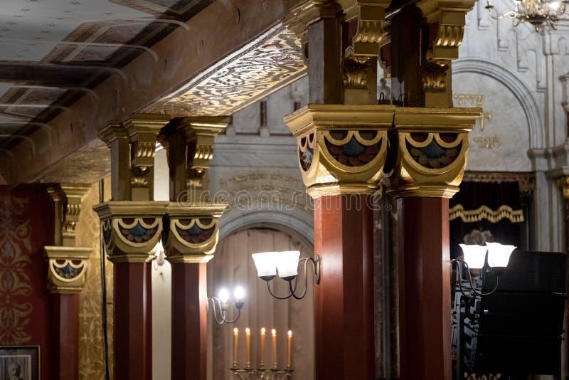Закройте вверх интерьера Tempel/синагоги виска в улице Miodowa, Kazimierz, Краков, Польше стоковое изображение