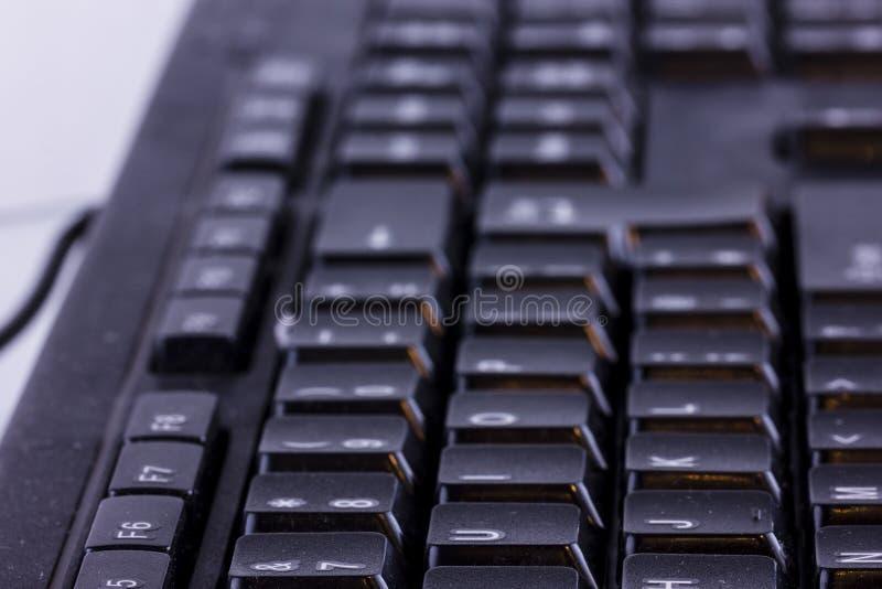 Закройте вверх клавиатуры ПК компьютера стоковое фото