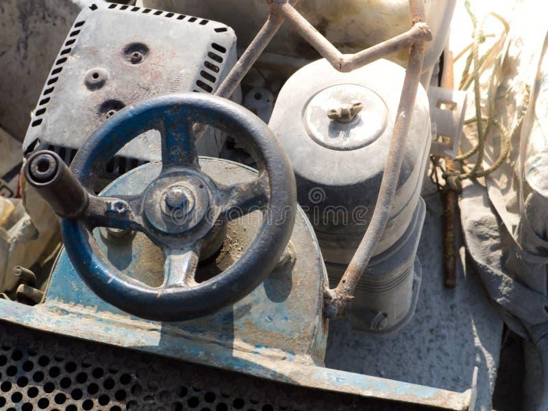 Закройте вверх машину резца оборудования конкретную стоковые изображения rf
