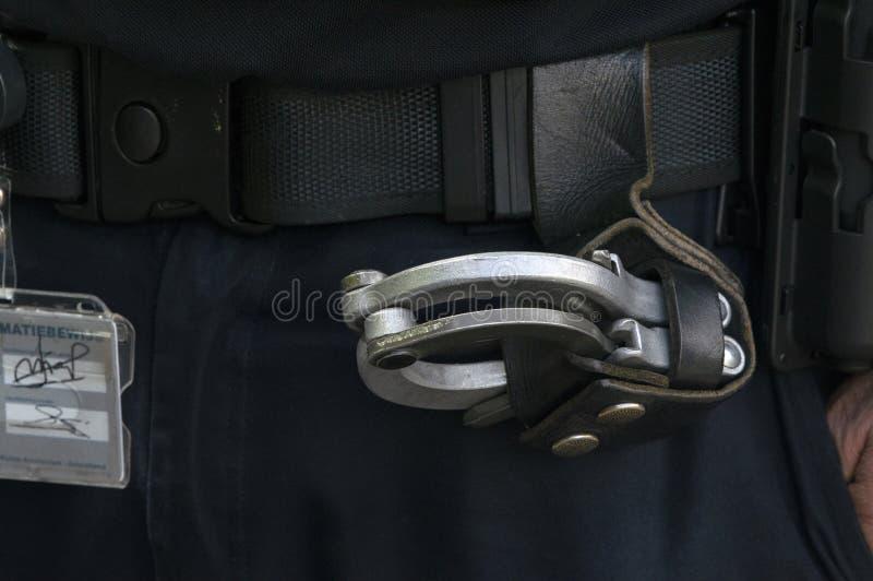 Закройте вверх наручников от полиции на Амстердаме Нидерланд 2019 стоковая фотография rf
