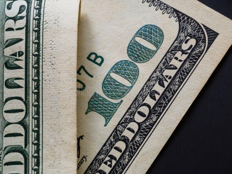 Закройте вверх по взгляду банкноты доллара стоковые фотографии rf