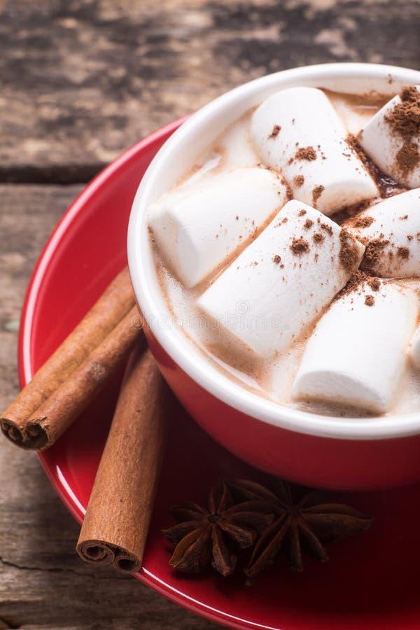 Закройте вверх по изображению горячего шоколада с зефиром стоковое фото rf