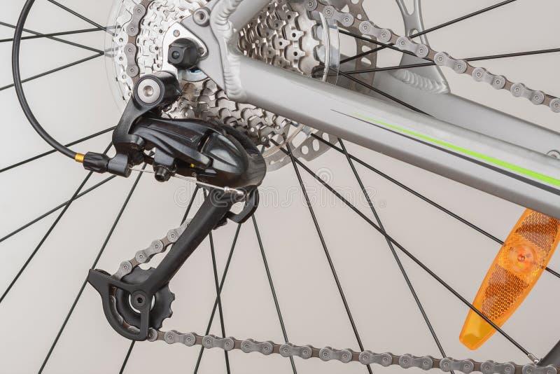 Закройте вверх по кассете велосипеда Montain 9 скоростей на заднем колесе велосипеда; st стоковое изображение