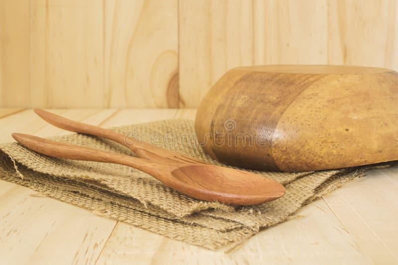 Закройте вверх по палочке с пустым шаром на древесине стоковое изображение