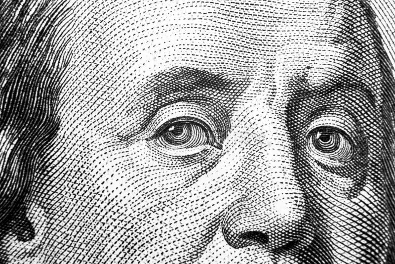 Закройте вверх по портрету взгляда Бенджамина Франклина на 100 долларовых банкнотах Предпосылка денег долларовая банкнота 100 с Б стоковое изображение rf