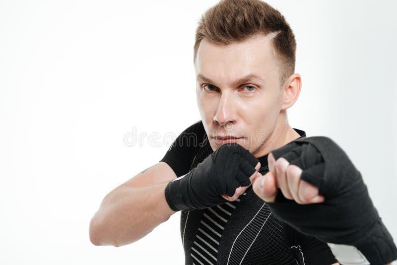 Закройте вверх по портрету здорового бокса спортсмена пригонки стоковая фотография rf