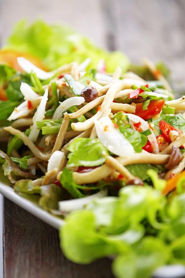 Закройте вверх по тайскому пряному салату гриба стоковая фотография rf