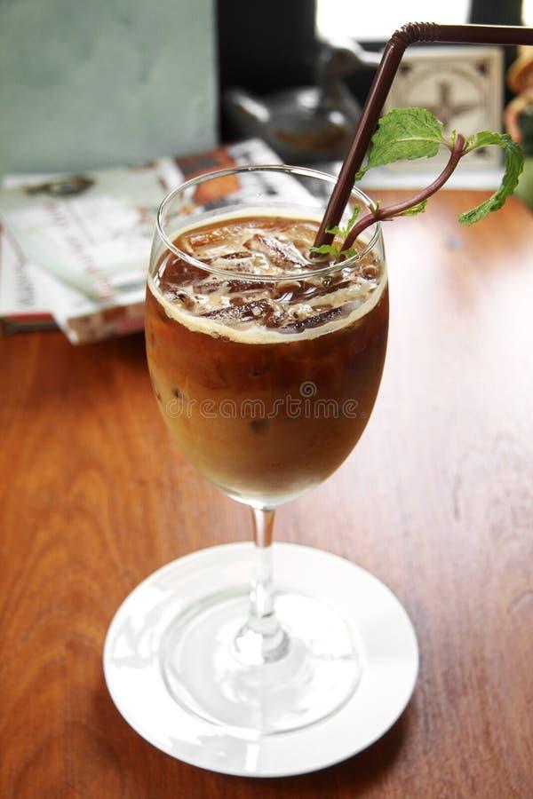 Download Закройте вверх по холодному кофе Стоковое Фото - изображение насчитывающей bluets, питье: 41656700