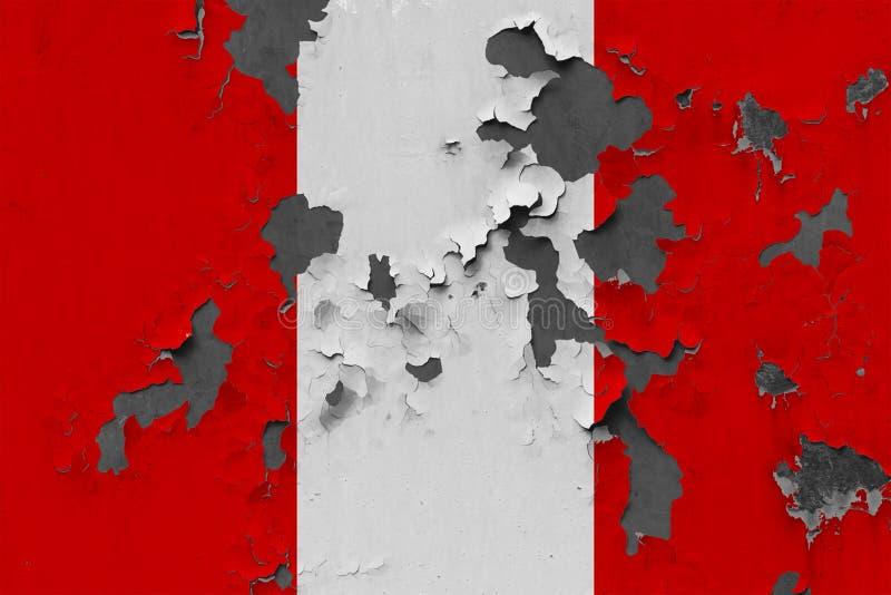 Закройте вверх по grungy, поврежденному и выдержанному флагу Перу на стене слезая с краски для того чтобы увидеть внутри поверхно иллюстрация штока