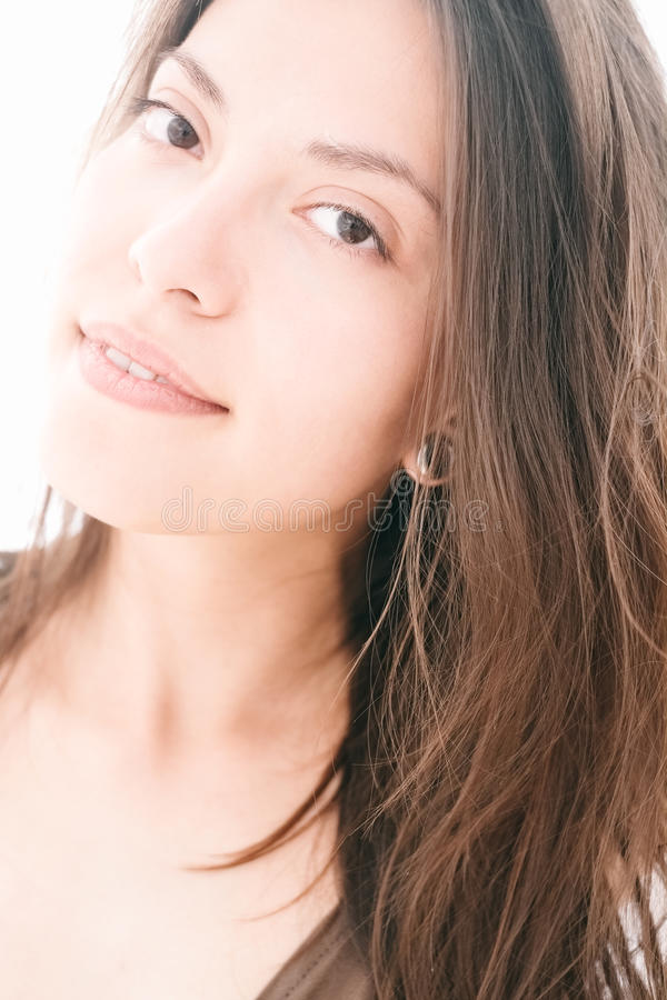 Закройте вверх привлекательной женщины казаха с длинными волосами стоковая фотография rf