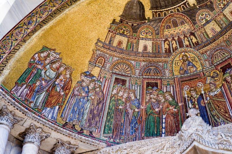 Закройте вверх раздела мозаики на базилике ` s St Mark в Венеции стоковое фото rf