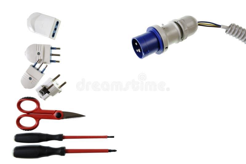 Закройте вверх сверху инструментов и компонентов работы для электрических установок, изолированных на белой предпосылке стоковая фотография rf