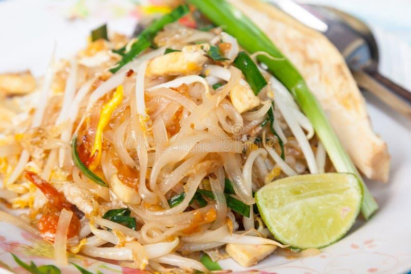 Закройте вверх тайской вызванной еды Padthai стоковое изображение