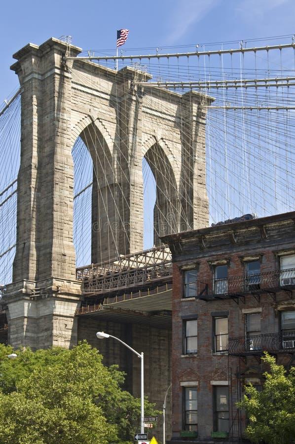 Закройте вверх штендера Бруклинского моста, Нью-Йорка стоковые изображения rf