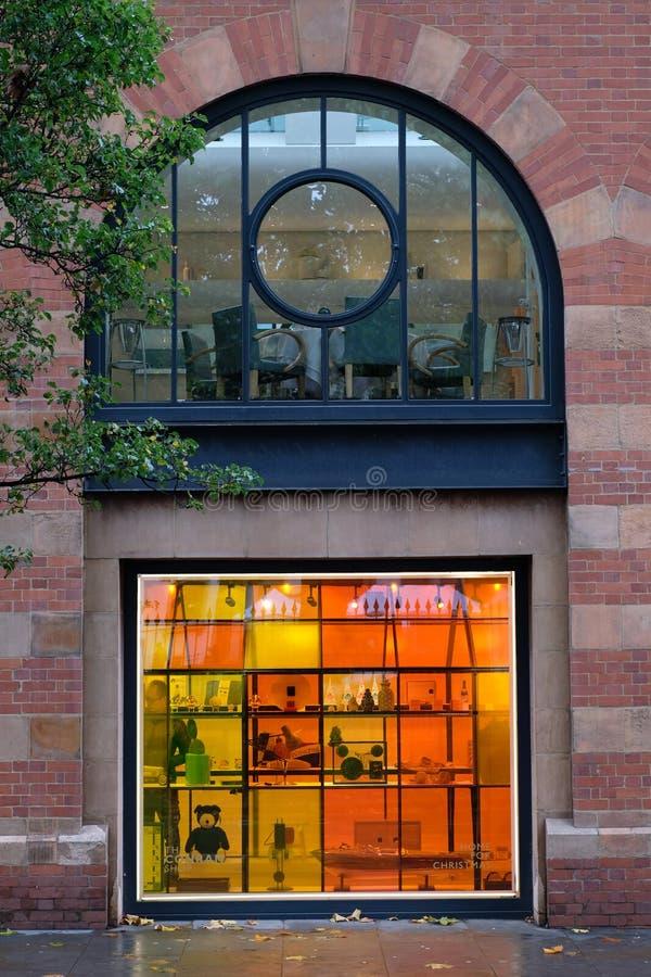 Закройте вверх экстерьера магазин Conran, главную улицу Marylebone, Лондон Великобританию стоковые фото
