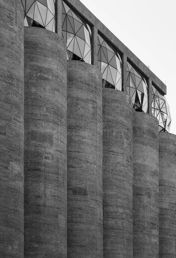 Закройте вверх экстерьера музея Zeitz Mocaa современного искусства Африки  стоковое фото rf