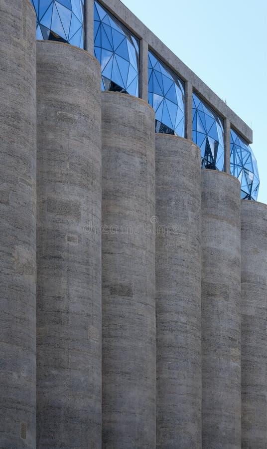 Закройте вверх экстерьера музея Zeitz Mocaa современного искусства Африки  стоковая фотография