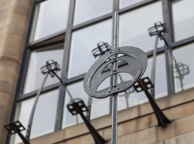 Закройте вверх экстерьера школы Глазго здания искусства, Глазго Великобритании, конструированного архитектором Charles Rennie Mac стоковые фото