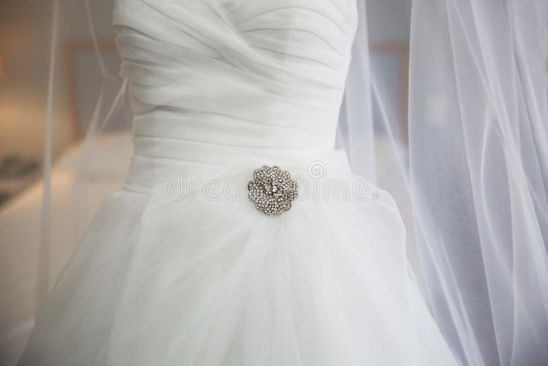Закройте вверх Bridal детали платья стоковое изображение rf