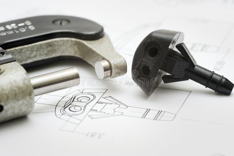 закройте инструмент продукта измерения чертежа вверх стоковое фото