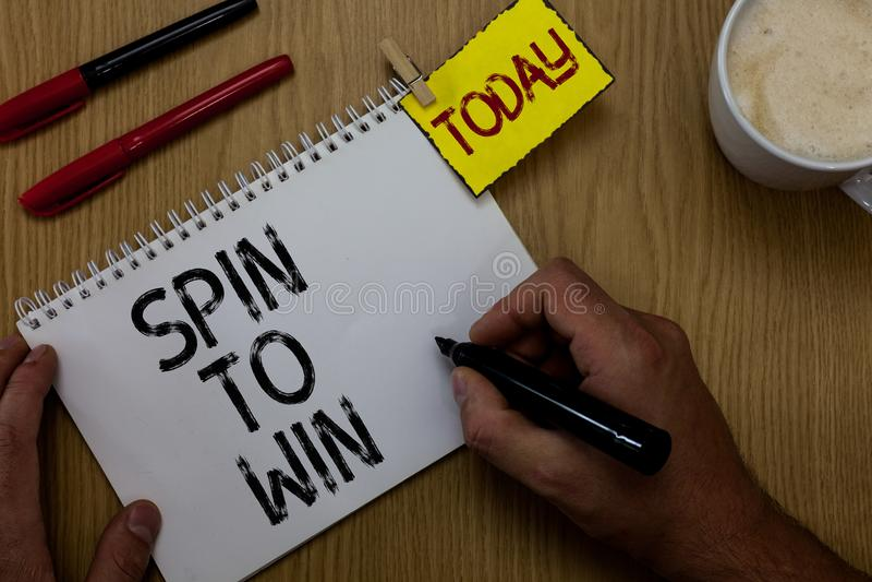 Закрутка сочинительства текста почерка, который нужно выиграть Попытка смысла концепции ваши игры лотереи казино удачи везения иг стоковое фото