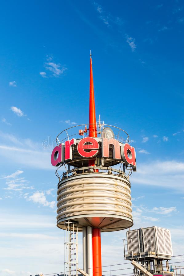 Закручивая логотип центра мола de Барселоны арен shoping стоковое фото rf