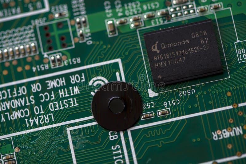 Закрытие интегральной микросхемы памяти стоковое изображение rf
