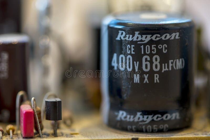 Закрытие электронных компонентов стоковые фотографии rf