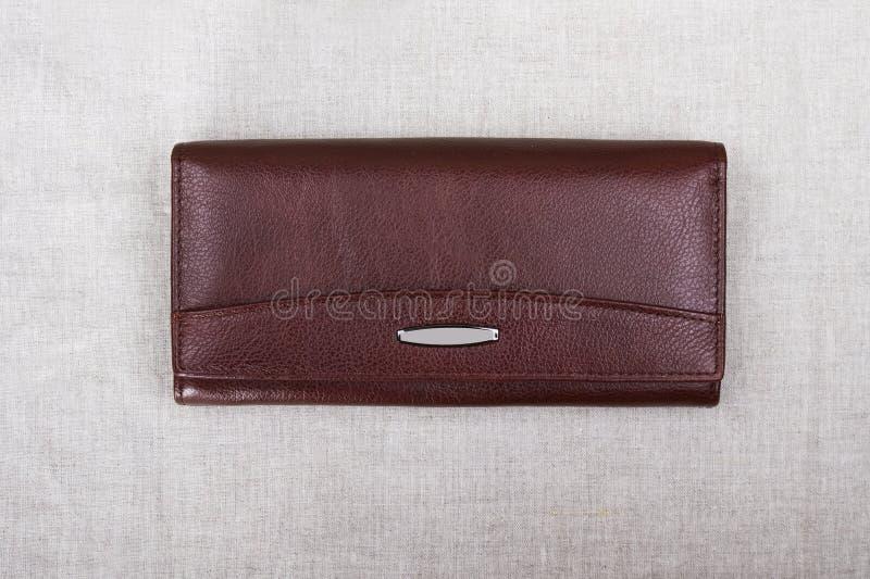 Закрытое красное портмоне; конец-вверх портмона стоковое фото rf