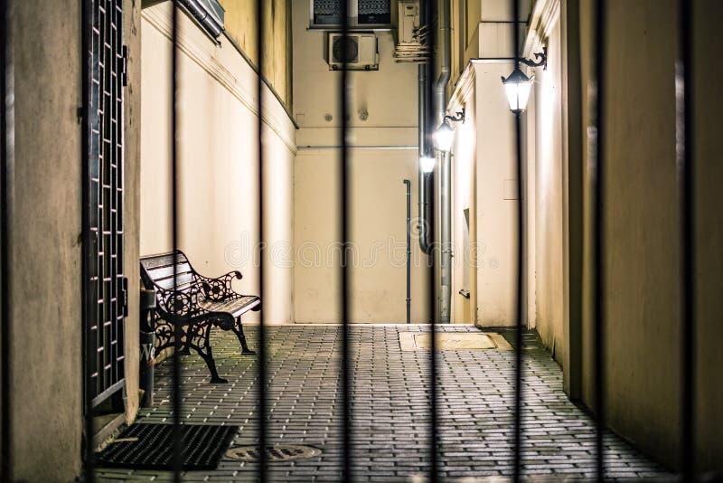 Закрытый бульвар с стендом осветил фонариками стоковое фото rf