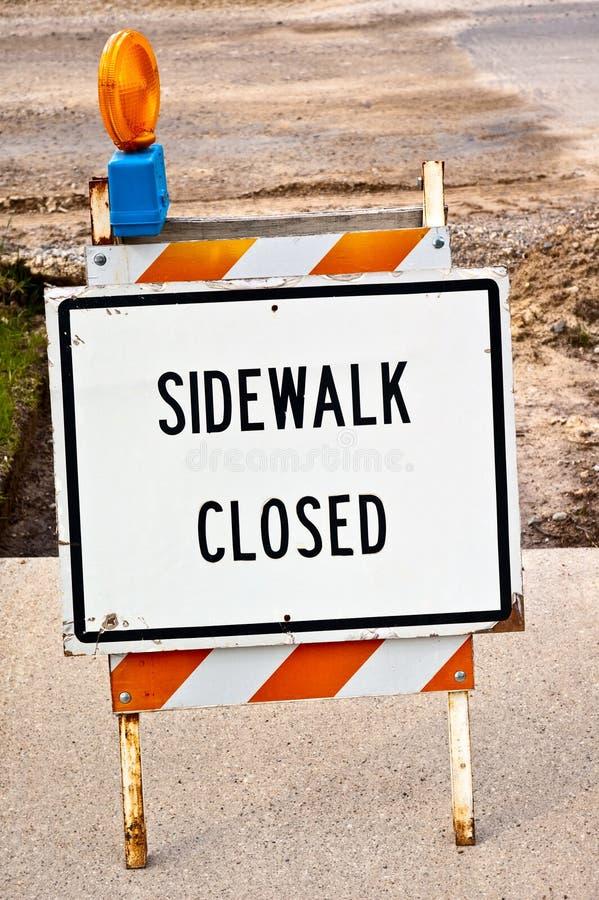 закрытый знак тротуара стоковое фото