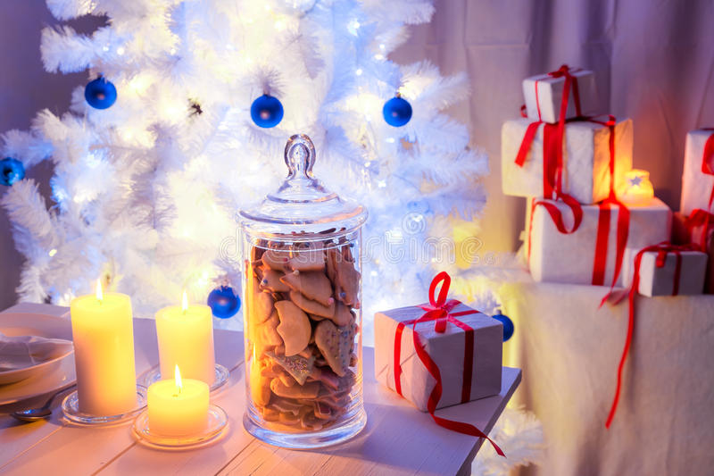 Закуска вечера печений пряника на Рожденственская ночь стоковая фотография