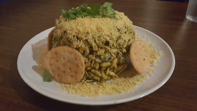 Закуска еды улицы puri Bhel индийская стоковые фото