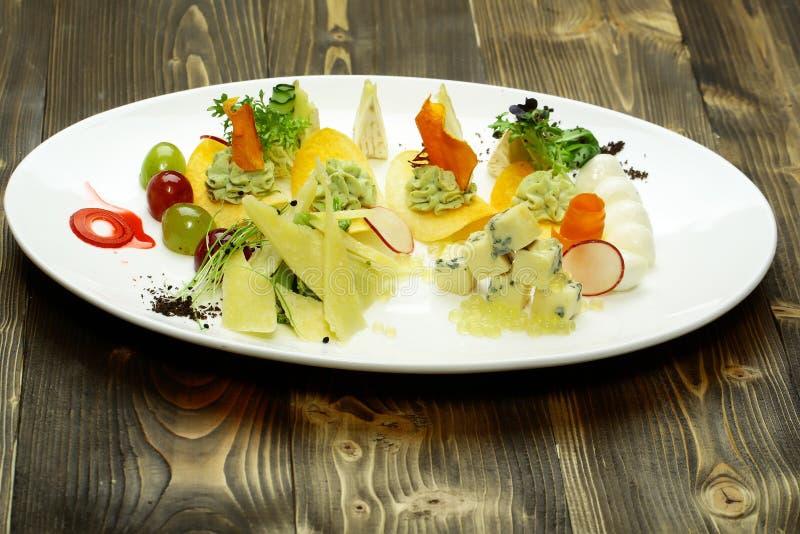Закуска или диск с сыром стоковая фотография rf