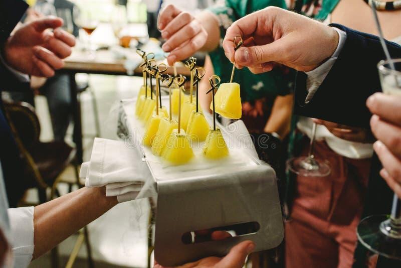 Закуски идей еды свадьбы стоковое фото