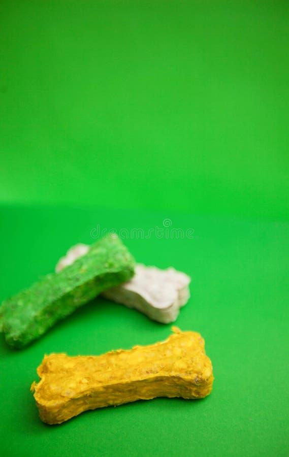 Закуски косточки для собак стоковое фото rf