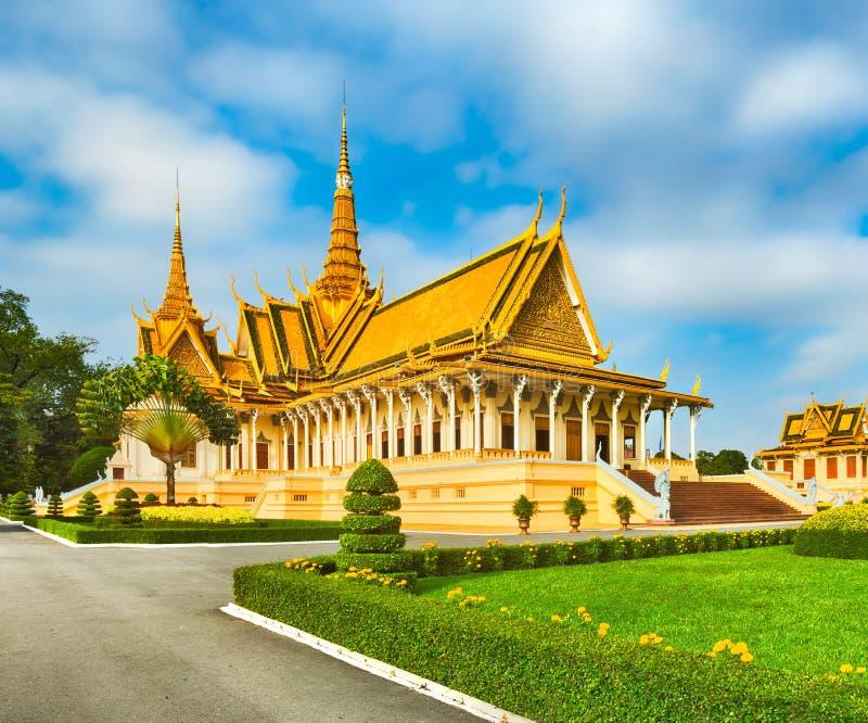 Зала трона внутри королевского дворца в Пномпень, Камбодже стоковое изображение