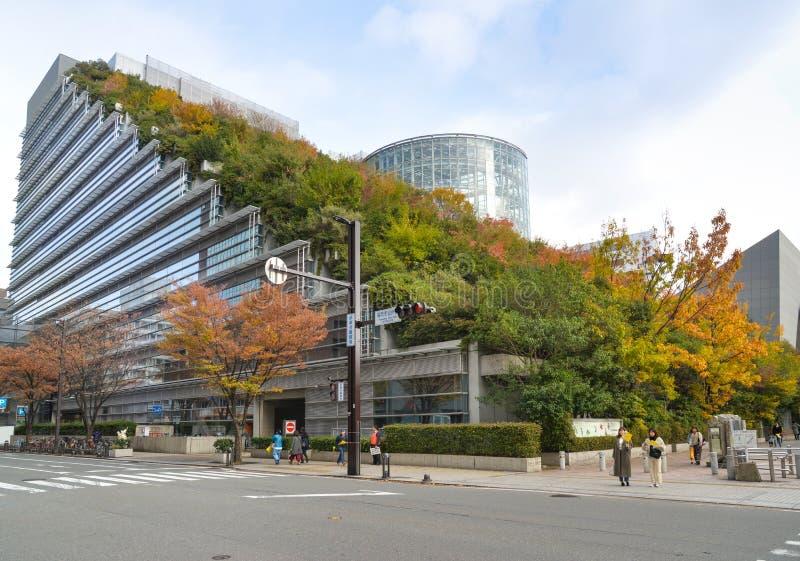 Зала ACROS международная, Фукуока, Япония стоковая фотография rf