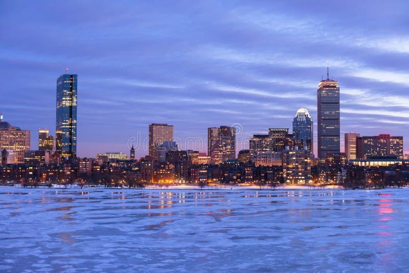 Залив Бостона задний на зоре стоковые изображения