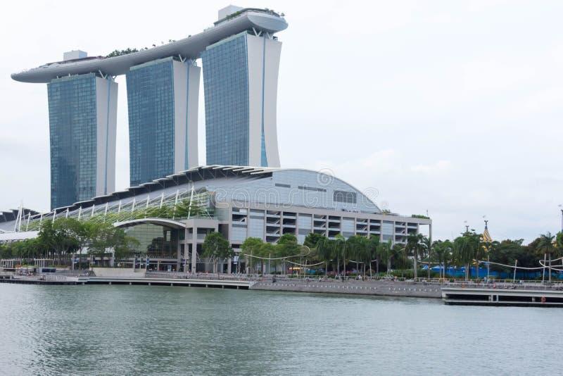 Залив Марины зашкурит взгляд Сингапур гостиницы 15-ое декабря 2017 стоковые изображения