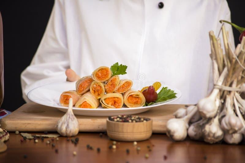Замаринованная капуста заполненная с морковами стоковые изображения