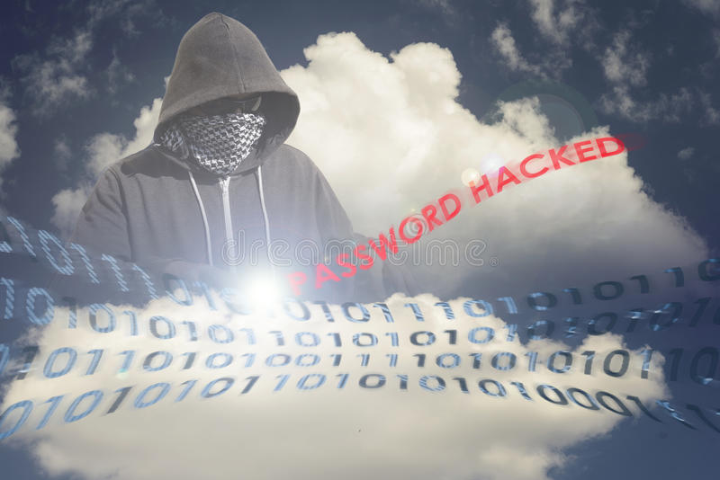 Замаскированный хакер в вычисляя облаке стоковое изображение