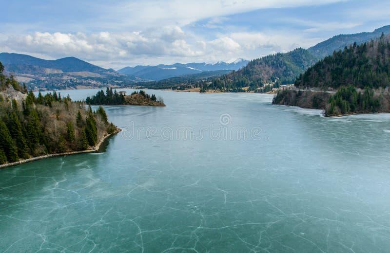 Замерли озеро, национальный курорт Colibita, который, графство Bistrita Nasaud, Трансильвания, Румыния стоковые изображения rf